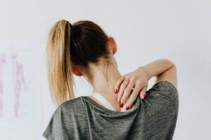 ont mellan skuldrorna